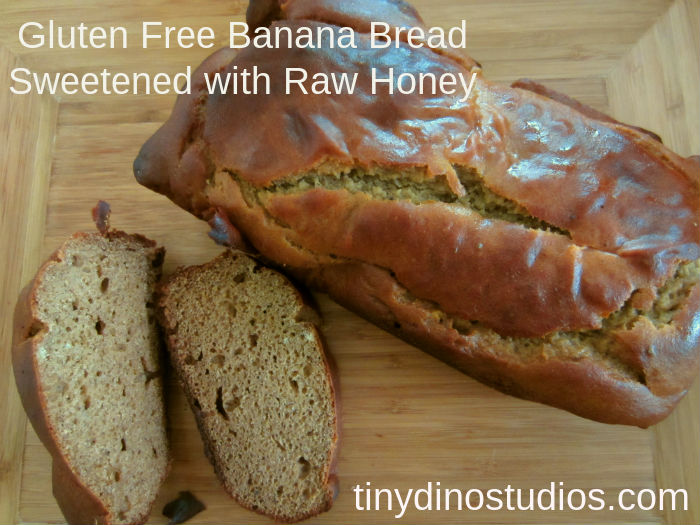 gluten free banana bread with text