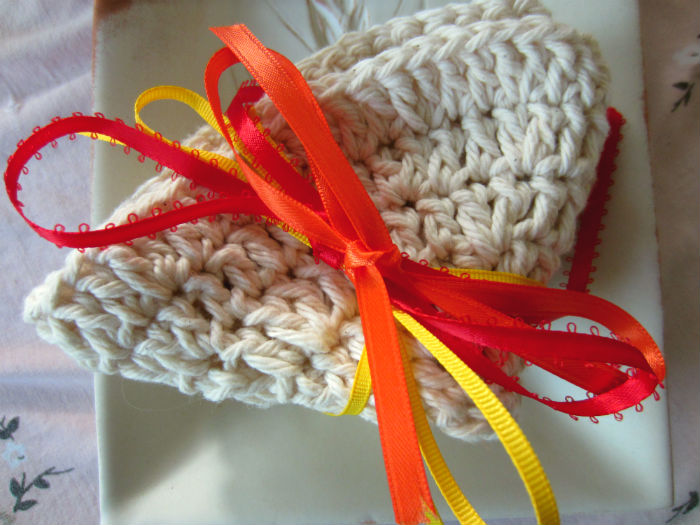crochet cotton washcloth with ribbon