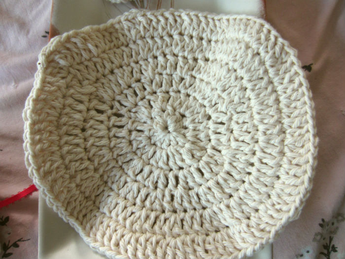 round natural cotton washcloth