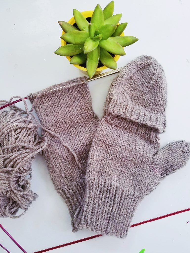 Simple Worsted Weight Flip Top Mittens | Marla Holt